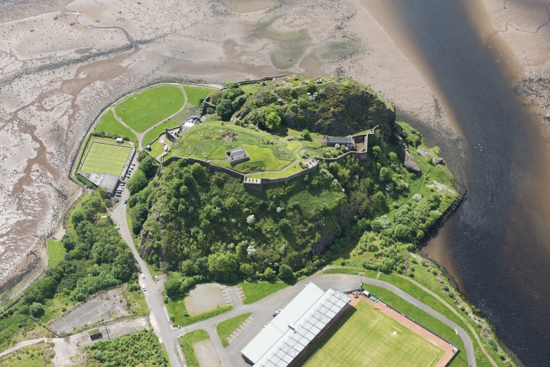 Oblique aerial view of Dumbarton Castle, looking SW.