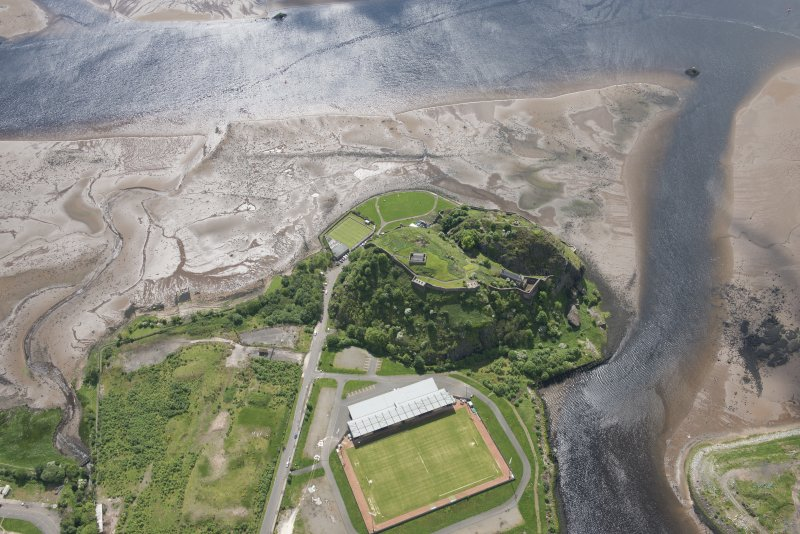Oblique aerial view of Dumbarton Castle, looking SSW.