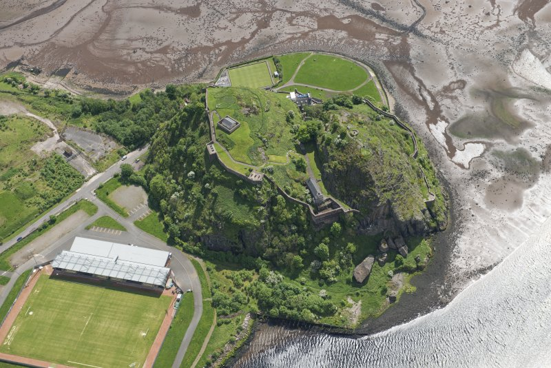 Oblique aerial view of Dumbarton Castle, looking S.