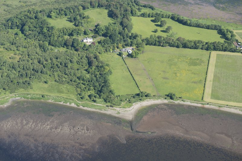 Oblique aerial view of the fish traps at Brecknish and Ardmore House, looking NNW.