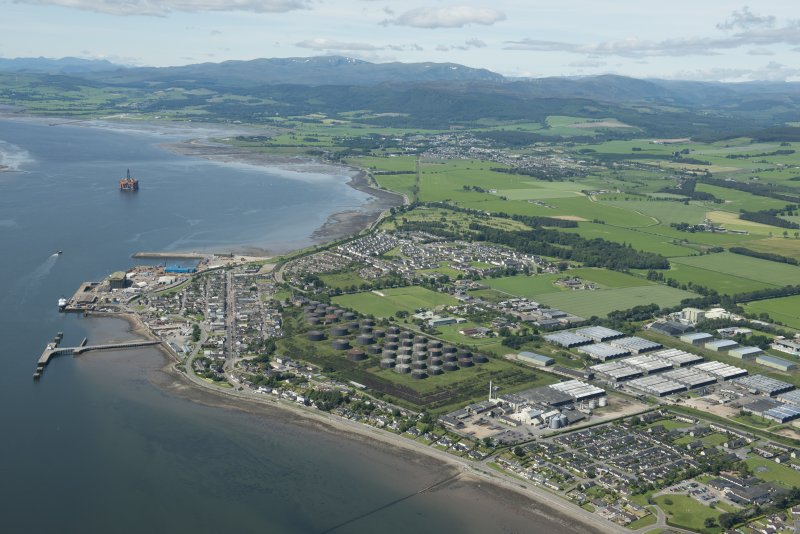 General oblique aerial view of Invergordon, looking NW.