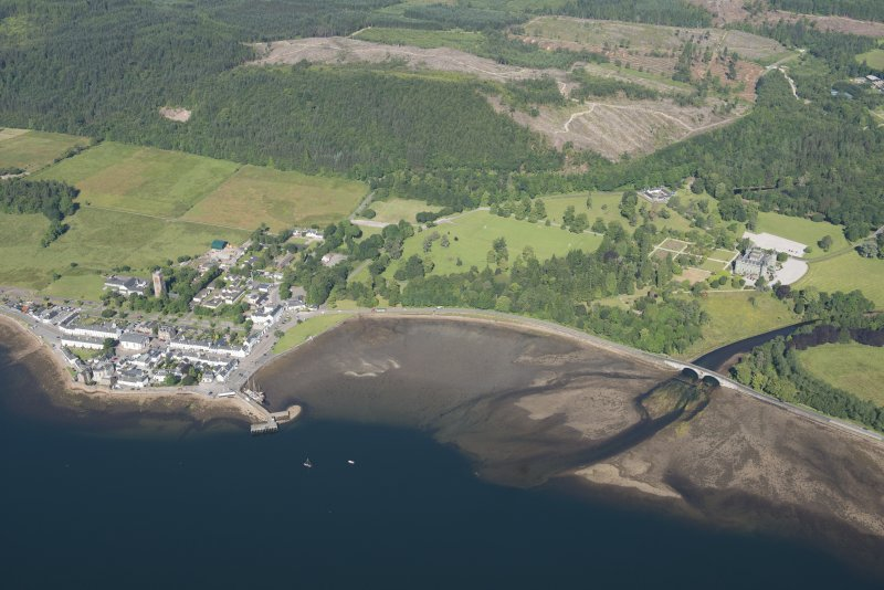 Oblique aerial view of Inveraray, looking NW.