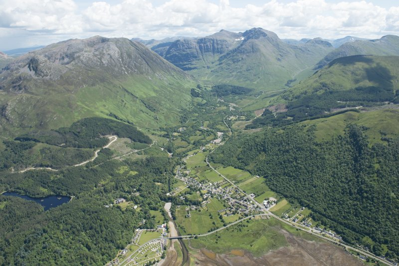 General oblique aerial view of the Three Sisters, Glencoe, looking SE.