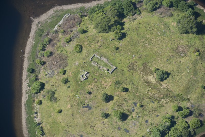 Oblique aerial view of St Finnan's Chapel, looking NW.