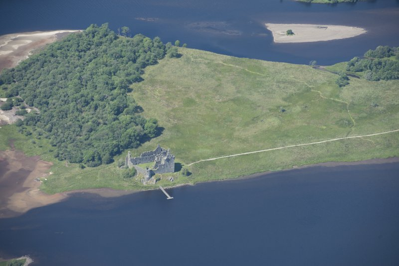 Oblique aerial view of Kilchurn Castle, looking N.