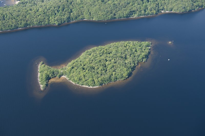 Oblique aerial view of Clairnish and The Kitchen crannog, looking NW.