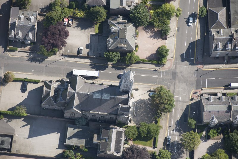 Oblique aerial view of Carden Place United Free Church, looking ENE.