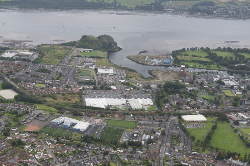 Oblique aerial view of Dumbarton and Dumbarton Rock, looking S.