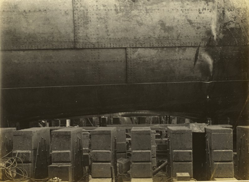 British tanker Apple-Leaf Keel Damage