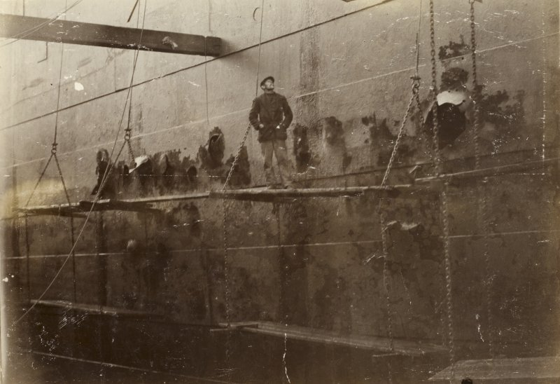 Uncaptioned photograph. Possibly passenger ship SS Winifredian in dock.