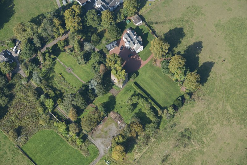 Oblique aerial view of Kilmaronock Castle and Kilmaronock House, looking W.