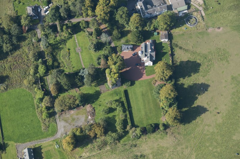 Oblique aerial view of Kilmaronock Castle and Kilmaronock House, looking S.
