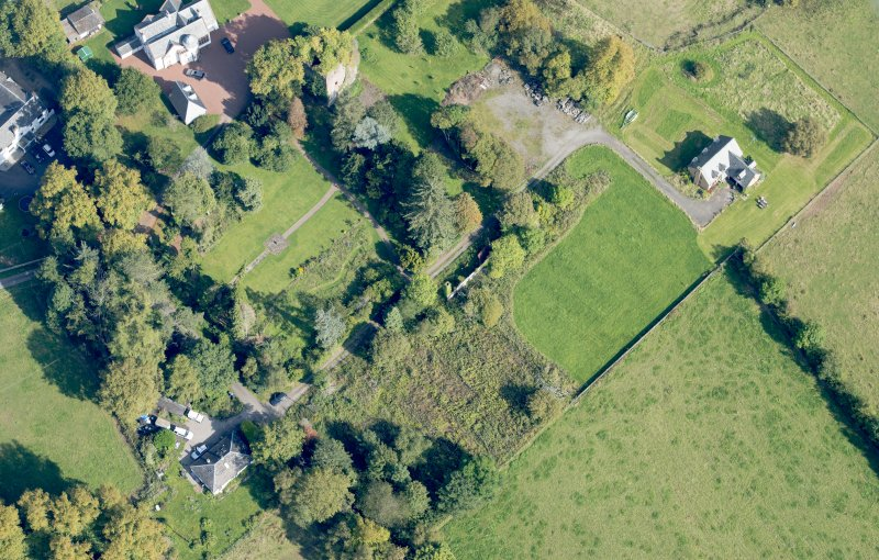Oblique aerial view of Kilmaronock Castle and Kilmaronock House, looking NE.