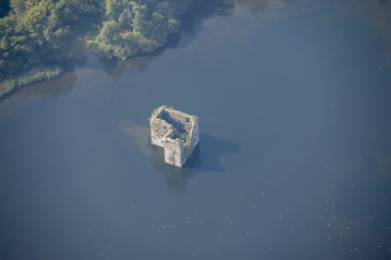 Oblique aerial view of Stanely Castle, looking W.