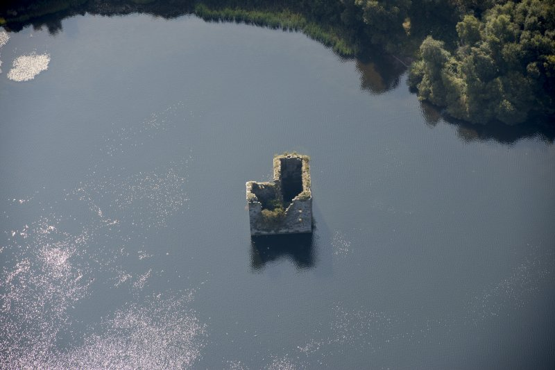 Oblique aerial view of Stanely Castle, looking SSW.