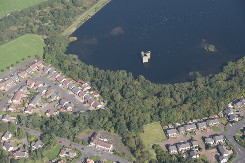General oblique aerial view of Stanely Castle, looking NE.