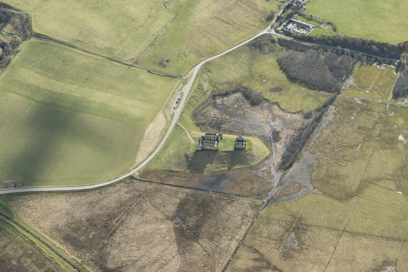 Oblique aerial view of Ruthven Barracks, looking SSW.
