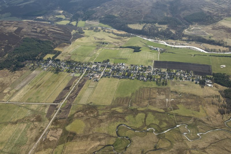 Oblique aerial view of Tomintoul, looking SW.