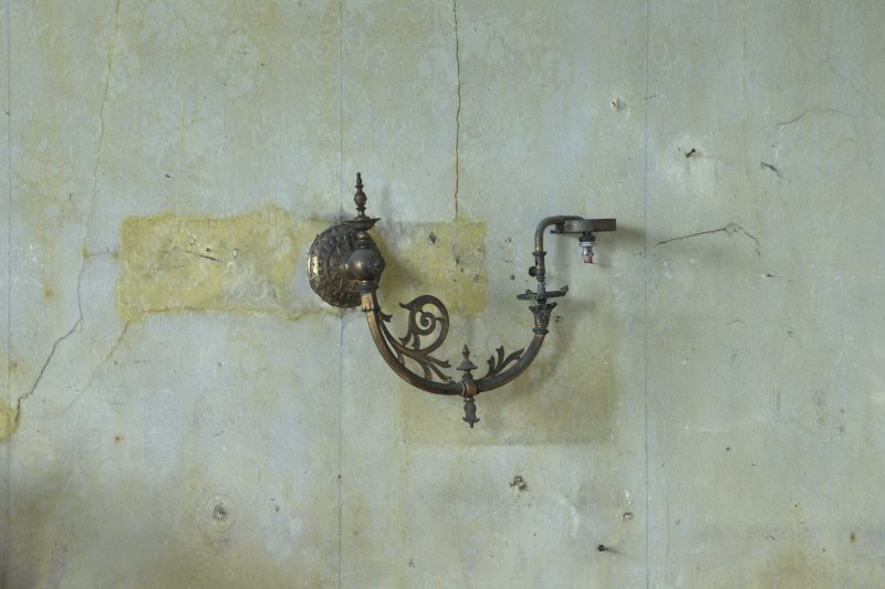 1st floor, drawing room, detail of wall mounted gas lamp