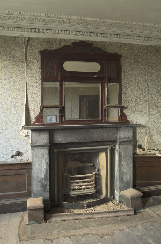 Ground floor, dining room, view of fireplace