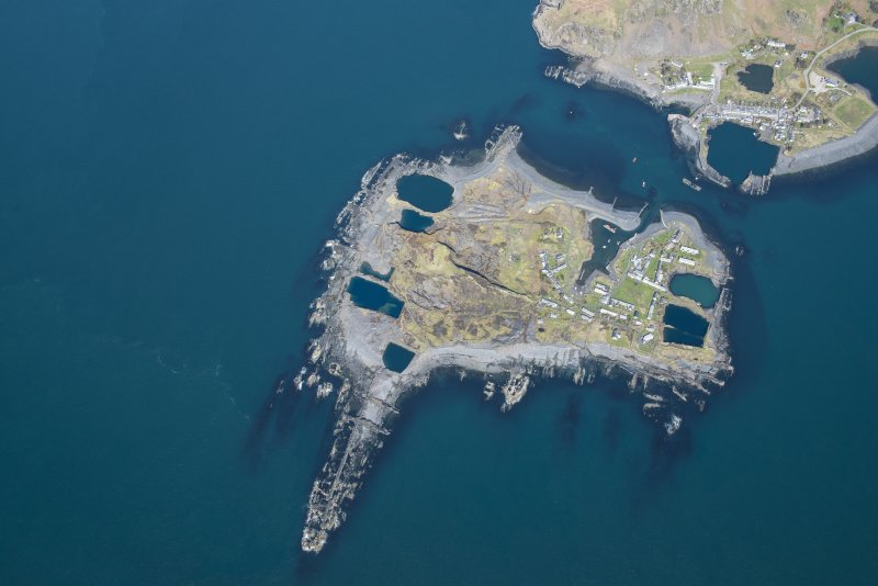 Oblique aerial view of Easdale, looking NE.