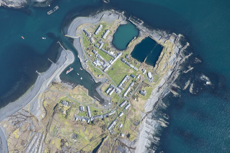 Oblique aerial view of Easdale, looking ESE.