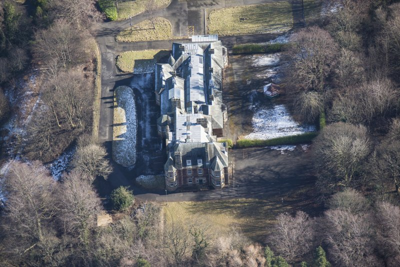 Oblique aerial view of Queen's Craig House, looking E.