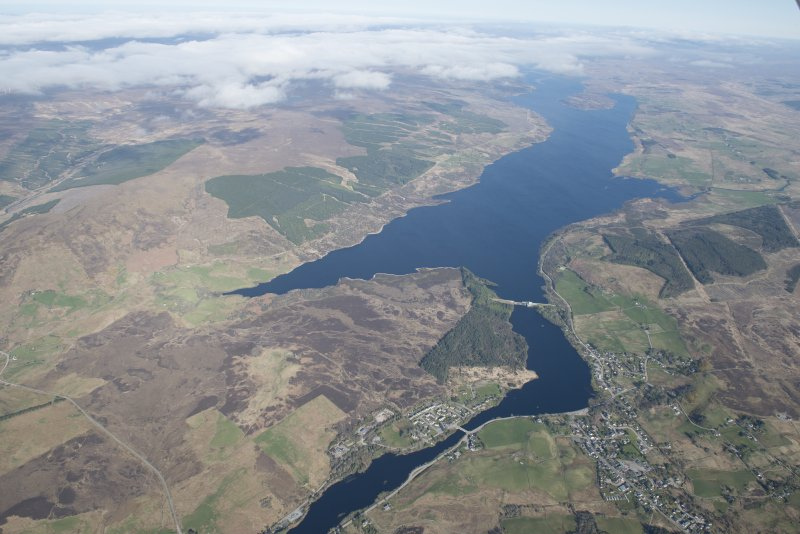 General oblique aerial view of Lairg with Loch Shin beyond, looking WNW.