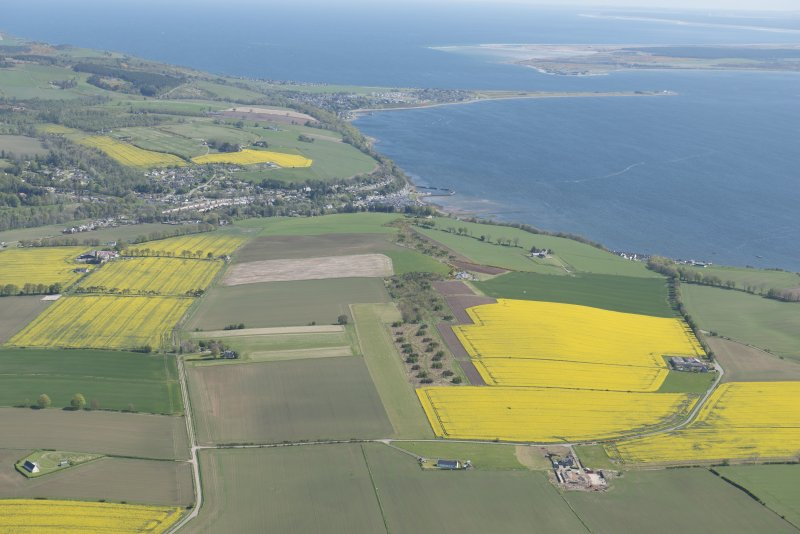 General oblique aerial view centred on Avoch with Fort George beyond, looking ENE.