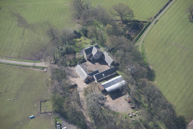 Oblique aerial view of Wester Kittochside Farm, looking SSW.