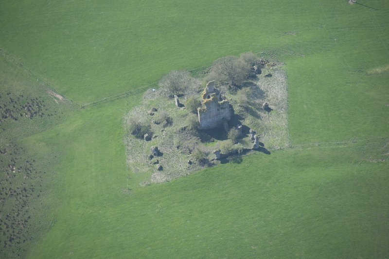 Oblique aerial view of Graigie Castle, looking SW.