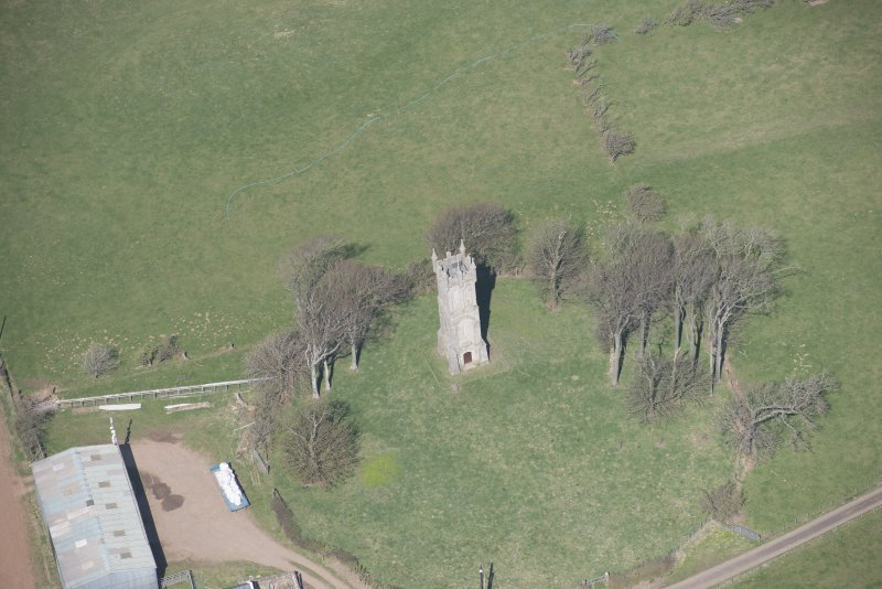 Oblique aerial view of Wallace's Monument, looking NNW.