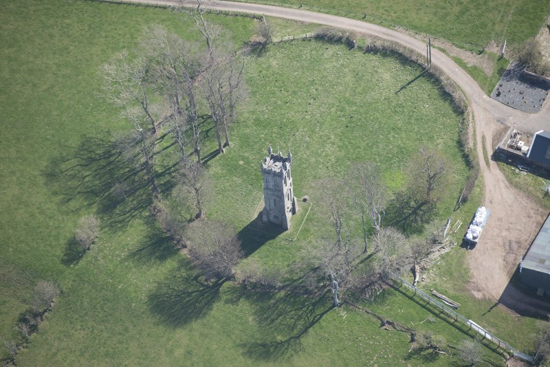 Oblique aerial view of Wallace's Monument, looking SE.