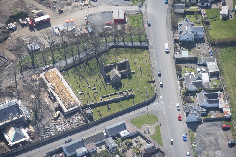 Oblique aerial view of Monkton Old Parish Church and cemetery, looking S.