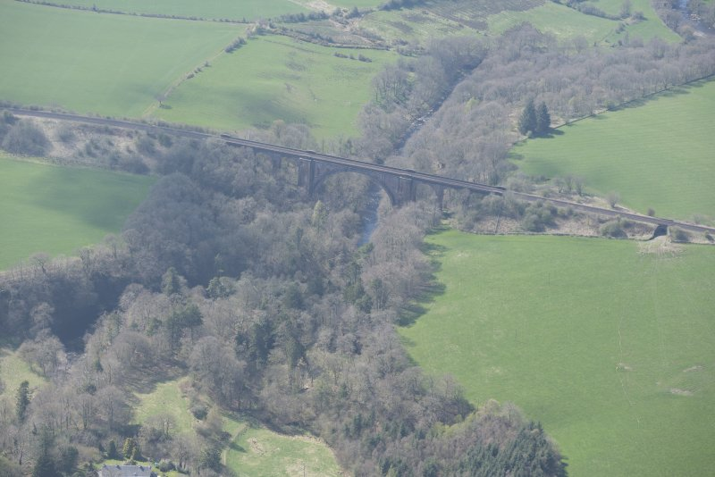 Oblique aerial view of Ballochmyle Railway Viaduct, looking SW.