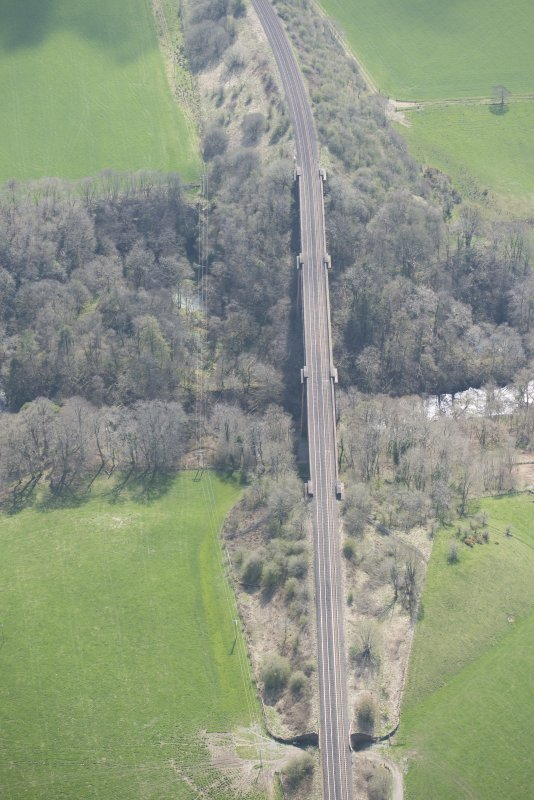Oblique aerial view of Ballochmyle Railway Viaduct, looking SSE.