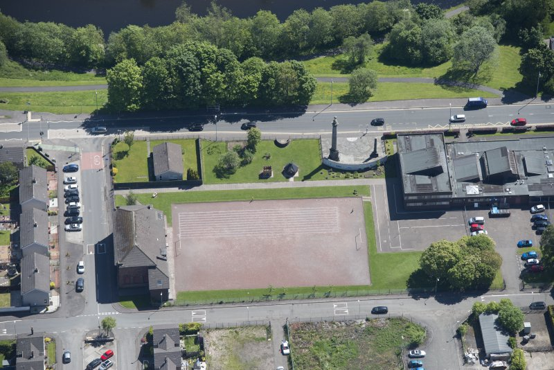 Oblique aerial view of the Smollet Monument and Renton War Memorial, looking E.