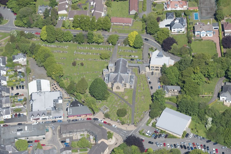 Oblique aerial view of New Kilpatrick Parish Church, looking N.