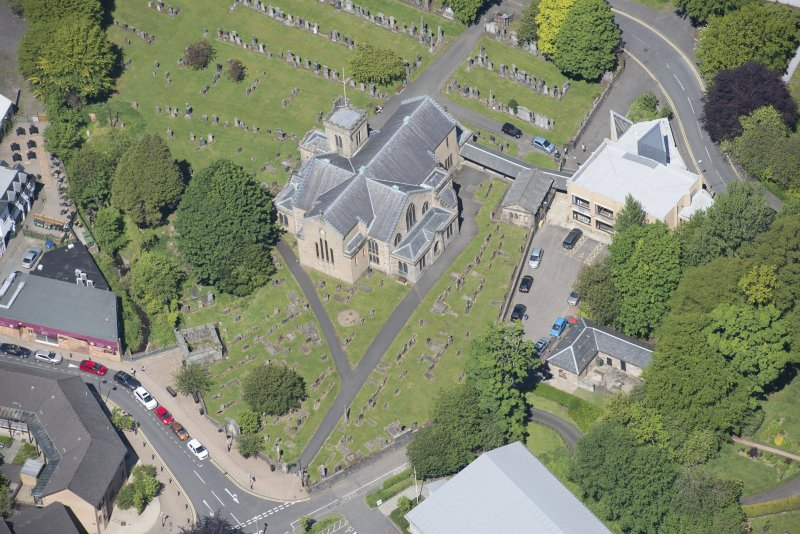 Oblique aerial view of New Kilpatrick Parish Church, looking NNW.
