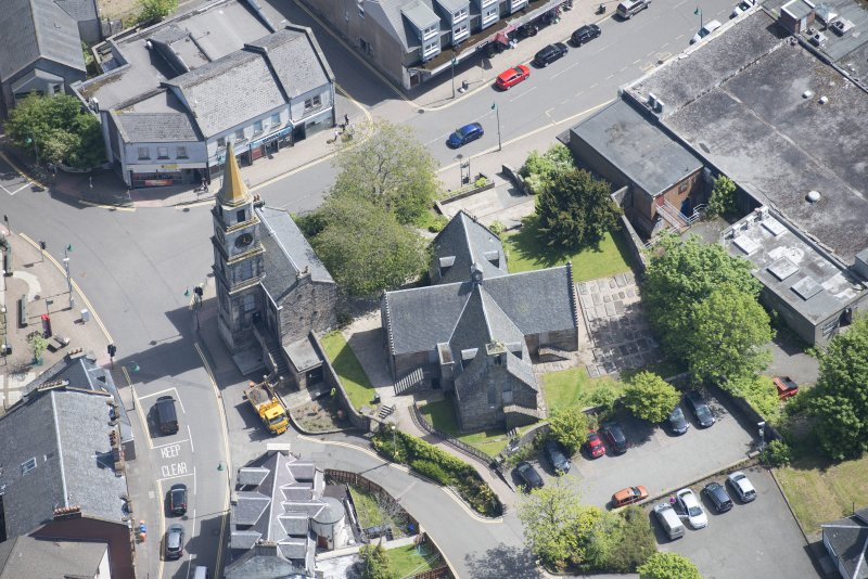 Oblique aerial view of Kirkintilloch Old Church and Town Steeple, looking E.