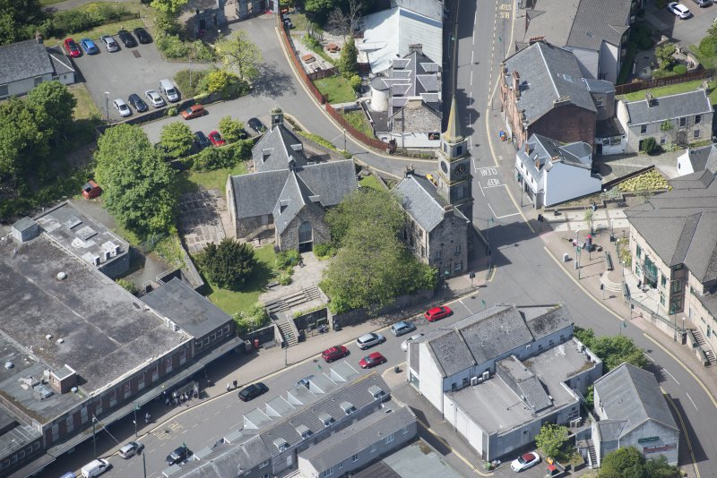 Oblique aerial view of Kirkintilloch Old Church and Town Steeple, looking WSW.