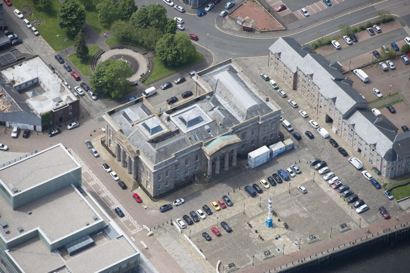 Oblique aerial view of Greenock Custom House, looking SW.