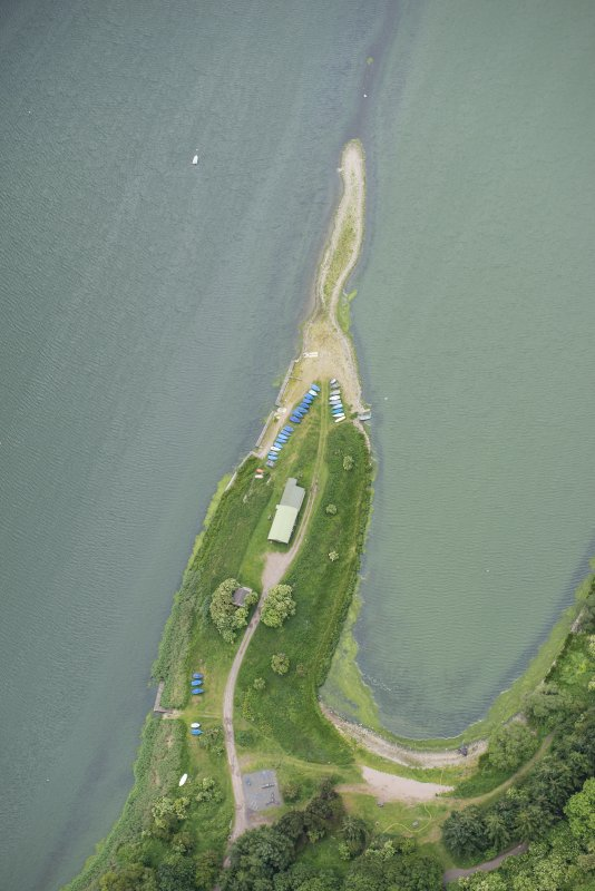 Oblique aerial view of St Margaret's Inch, Forfar Loch, looking WSW.