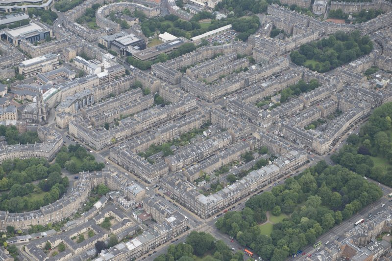 Oblique aerial view of  the northern New Town, Heriot Row, Great King Street, Howe Street, Northumberland Sreet and St Vincent Street, looking NE.