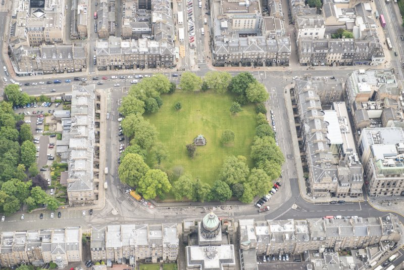 Oblique aerial view of St George's Parish Church, Albert Memorial, Charlotte Square, South Charlotte Street, North Charlotte Street, Hope Street and Charlotte Square Gardens, looking E.
