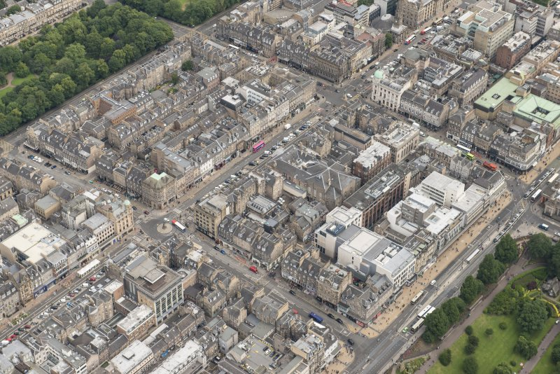 Oblique aerial view of George Street, Hanover Street, Frederick Street, Princes Street and Queen Street, looking NE.