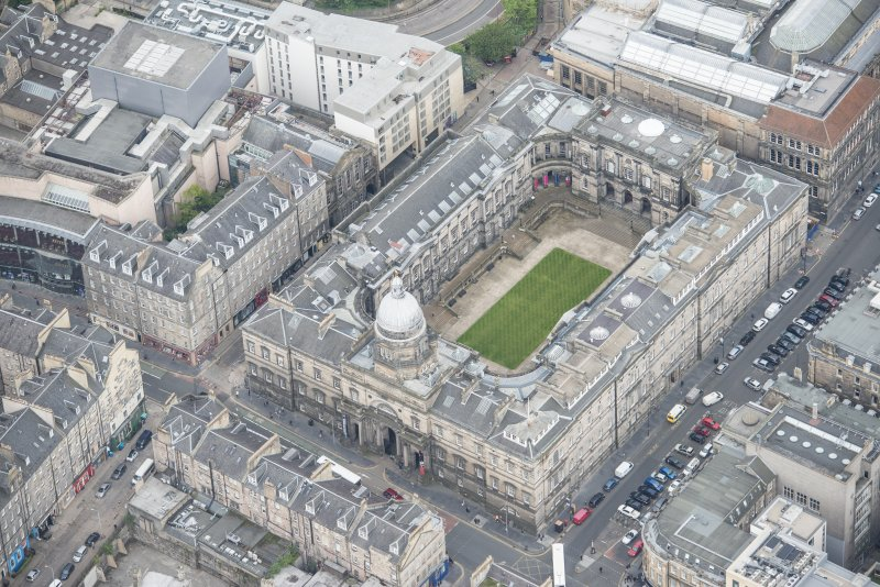 Oblique aerial view of Old College, looking SW.