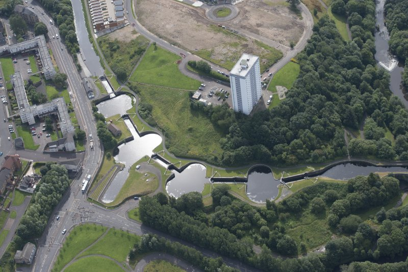 Oblique aerial view of the Maryhill Locks, looking SSE.