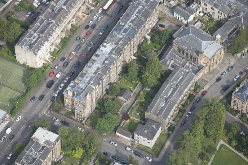 Oblique aerial view of Hyndland Road, Belhaven-Westbourne Church and church hall, looking NNW.
