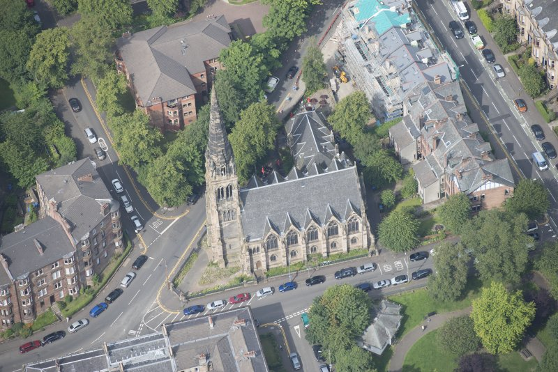 Oblique aerial view of Dowanhill Presbyterian Church and Dowanhill Presbyterian Church Hall, looking WNW.